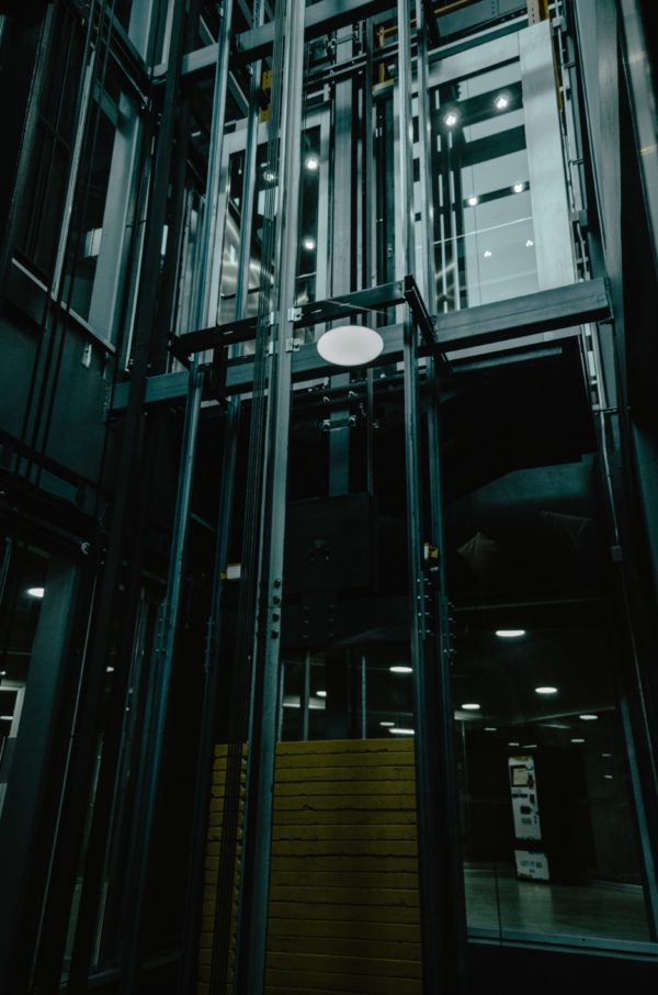 Instalación de Ascensores (Metal)